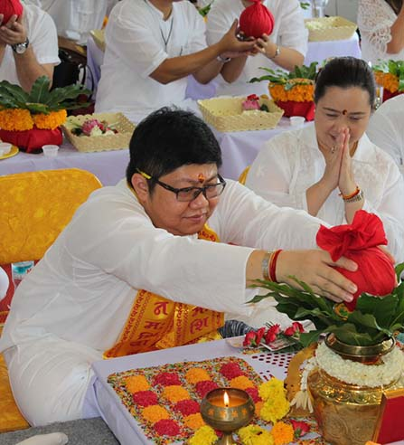 (Thai) พิธีบวงสรวงพระพิฆเณศปัญจมุข