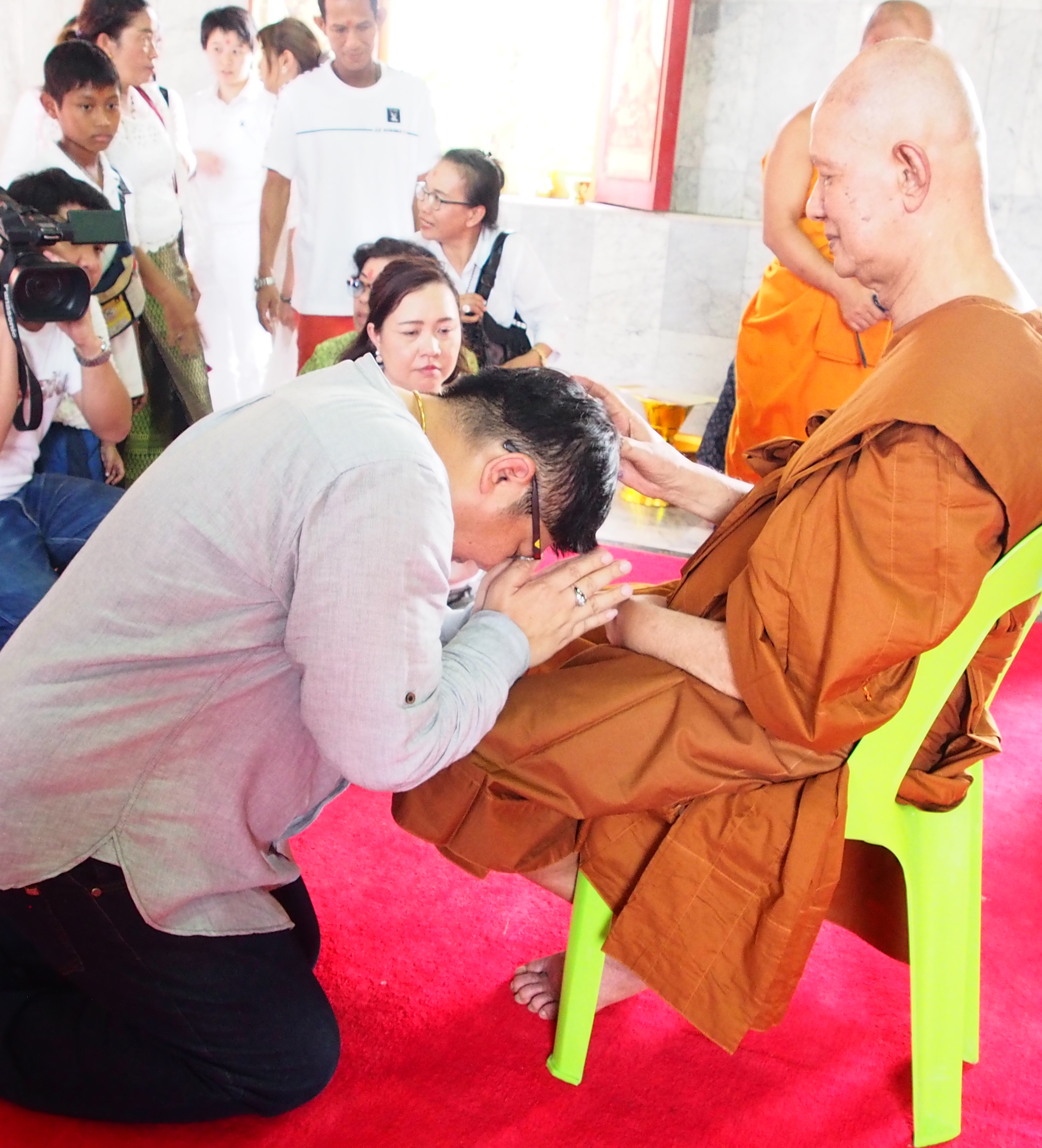 (Thai) ทอดกฐินไอยรา